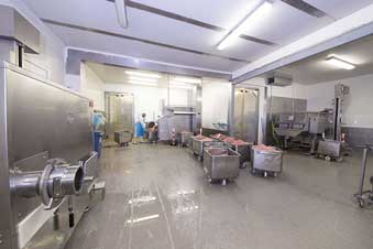Troffelvloer in vleesverwerkings bedrijf