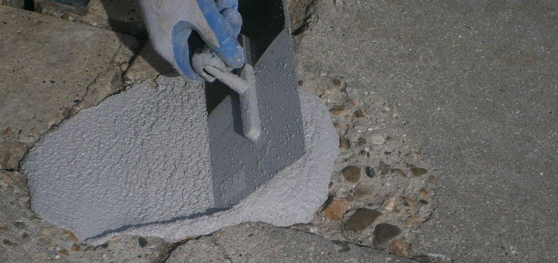 Application concrete repair mass epoxy base