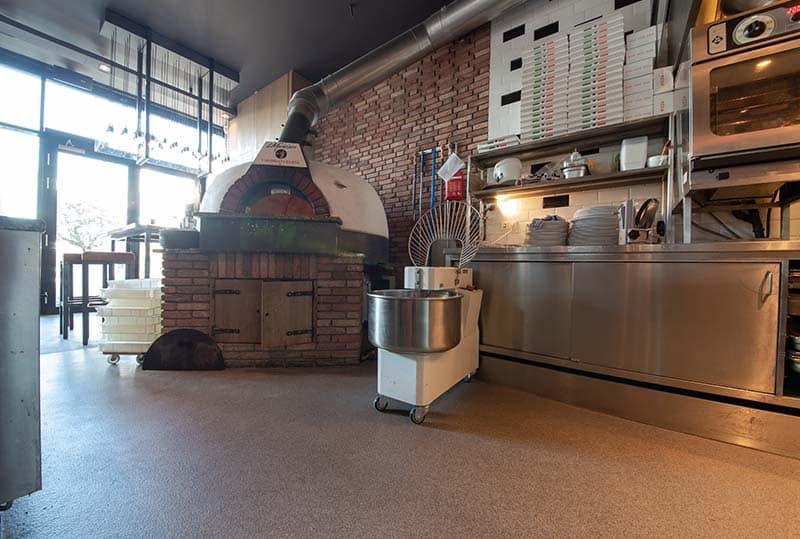 Coating pizzeria